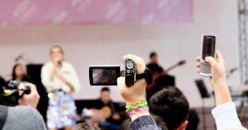 Der Nervfaktor von Kameras und Smartphones auf Konzerten steigt und steigt