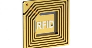 RFID Chip vor einem weißen Hintergrund